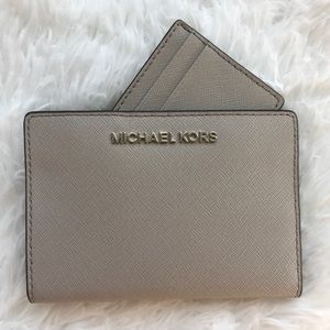 NWT Michael Kors Jet Set Travel Card Case Wallet